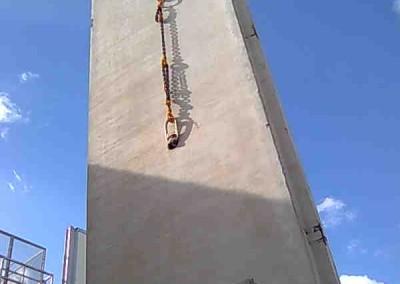 """הנפת קירות דיפון למיכלי חומ""""ס"""